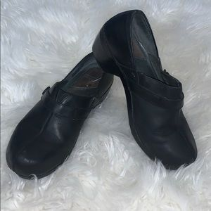 Dansko black leather work nurse shoes clogs EUC 40